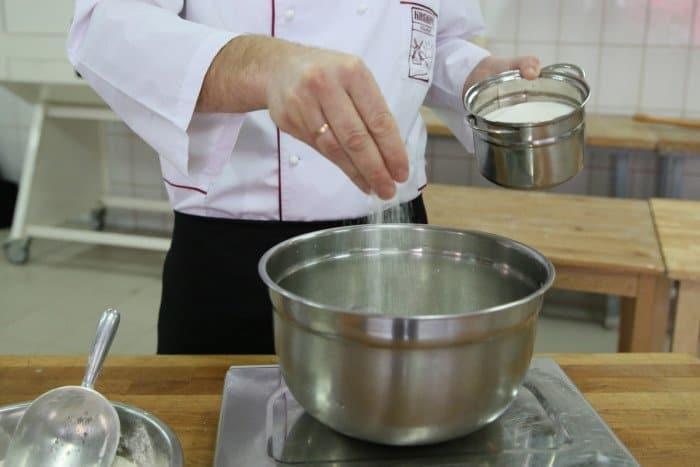 Пошаговый рецепт блинов с фото. Шаг 3
