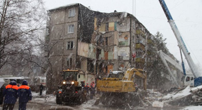 В храмах и монастырях Ярославской епархии молятся о жертвах обрушения дома