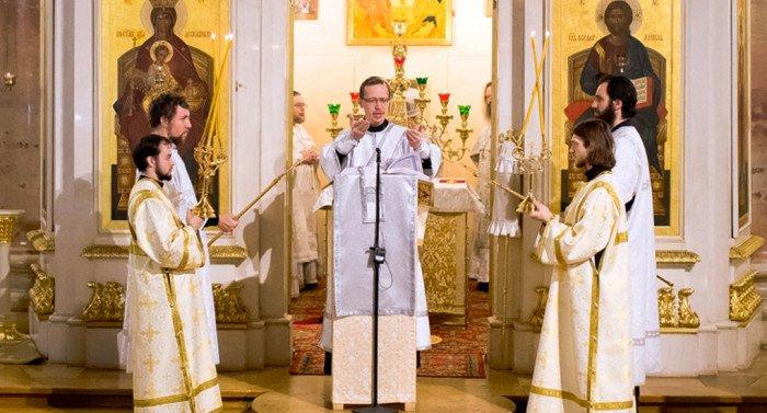 В Москве стартуют курсы для священников по общению со слепоглухими