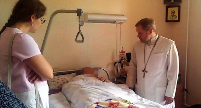 Священник создал в Твери первую выездную службу помощи онкобольным
