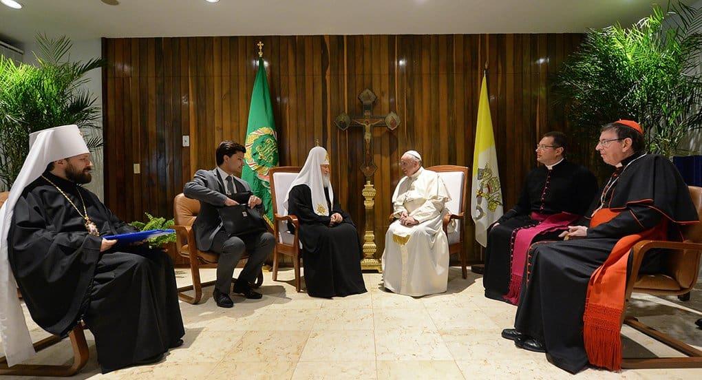 Патриарх Кирилл и Папа Римский Франциск подписали Совместную декларацию