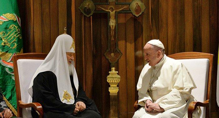 Папа Франциск благодарен патриарху Кириллу за укрепление мира между православными и католиками