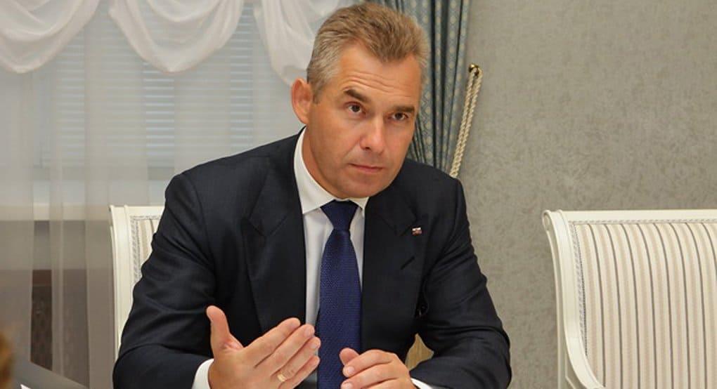 Павел Астахов призвал родителей проверять документы у потенциальных нянь