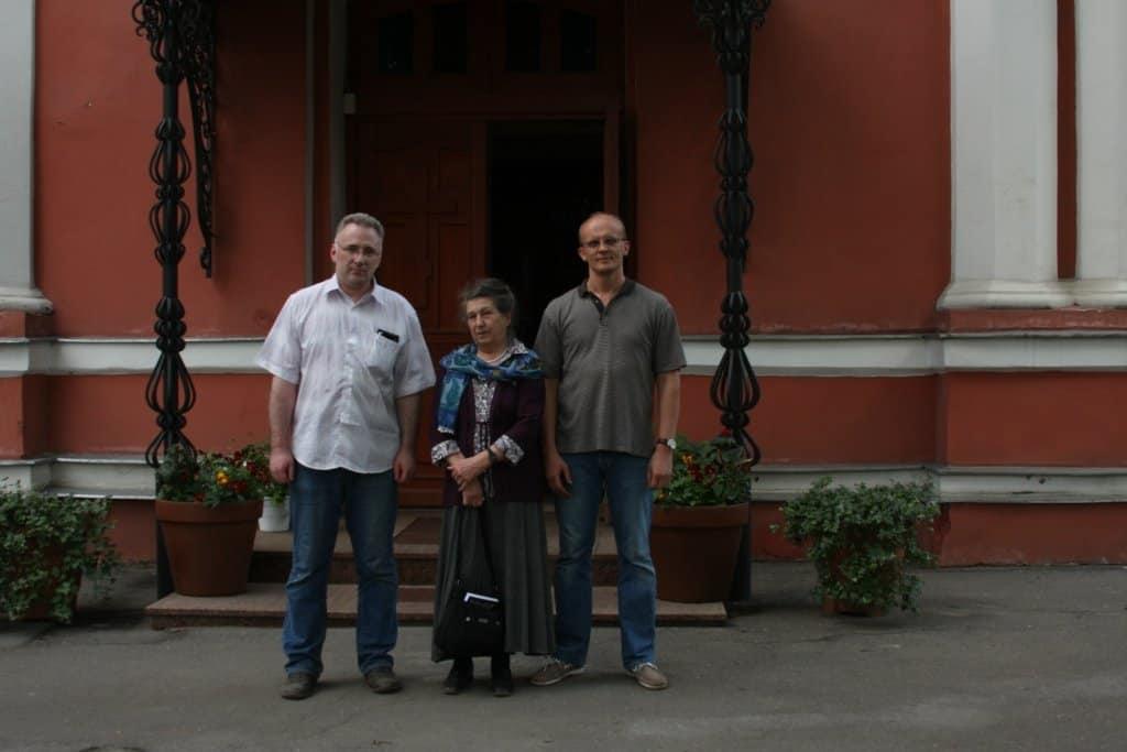 С  руководителямисайтов группы Пережить.ру Хасьминским, Семеником