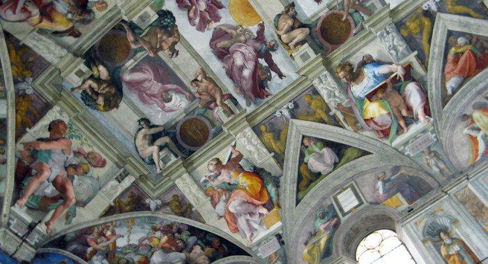 Ватикан издал трехтомник с фресками Сикстинской капеллы в масштабе 1:1
