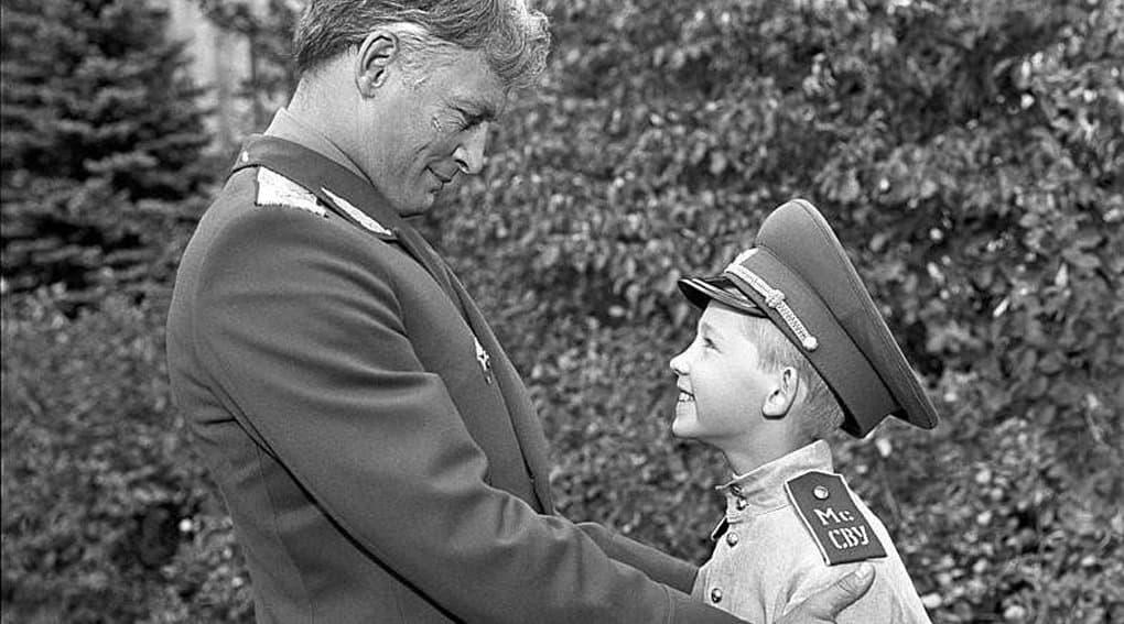 Фильм «Офицеры» играет огромную роль в воспитании молодежи, - Владимир Путин