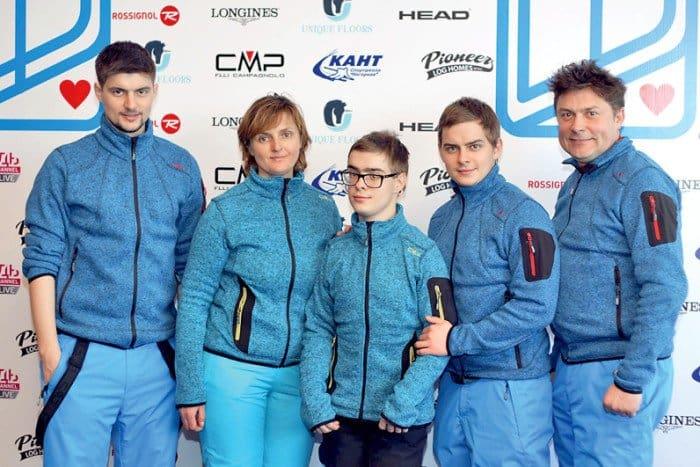 Семья Белоголовцевых (слева направо): Никита, Наталия, Евгений, Александр и Сергей. Фото с сайта проекта «Лыжи мечты»