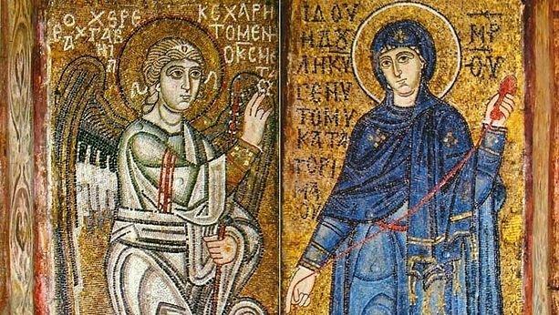 Почему Богородицу  изображают  с веретеном вруках?