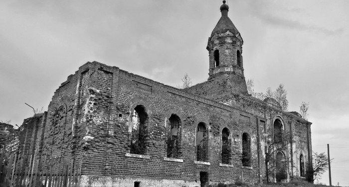 Никольский храм, в котором служил священномученик Виктор, был разрушен во время Великой Отечественной войны и до сих пор не восстановлен