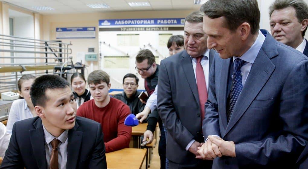 Депутаты должны быть добрыми людьми, - патриарх Кирилл