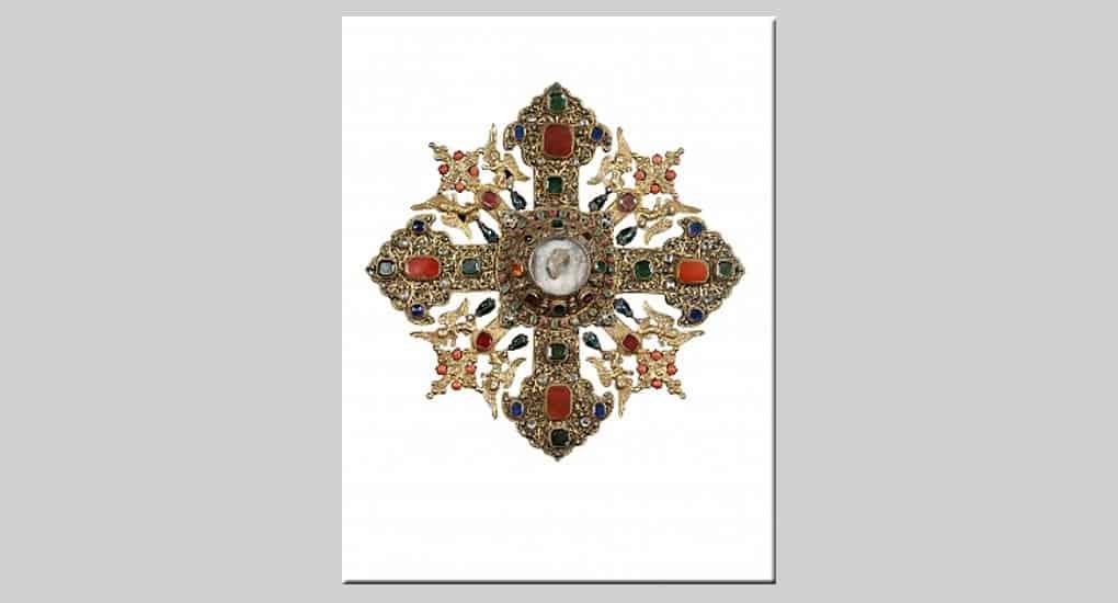 Москвичи могут увидеть крест из Армении с мощами Георгия Победоносца