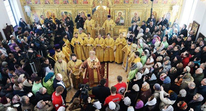 Патриарх Кирилл освятил храм в Крылатском в честь патриарха-мученика Ермогена