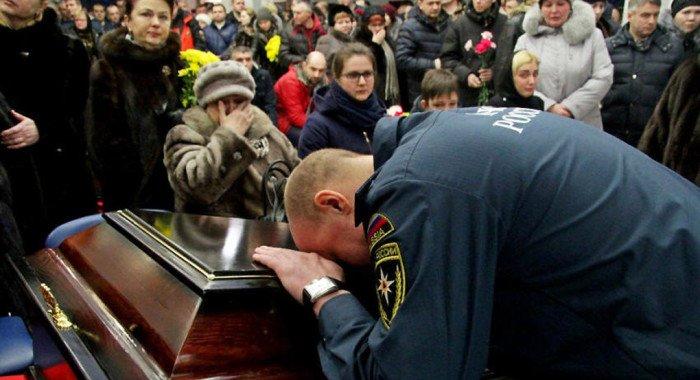В Воркуте простились со спасателями, погибшими на шахте «Северная»
