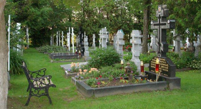 Почему на Пасху нельзя ходить на кладбище?