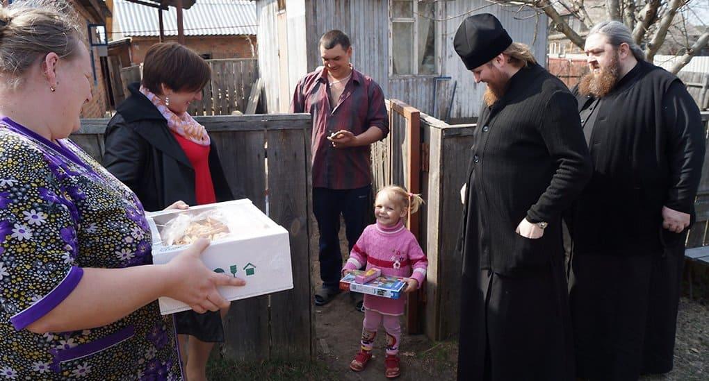 Монахи Киево-Печерской лавры навестили жителей Чернобыльской зоны