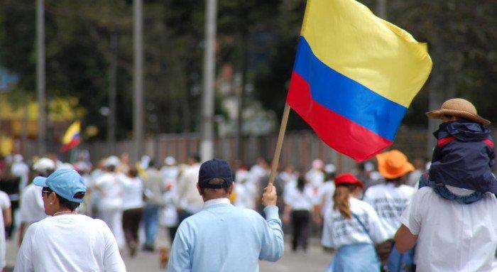 Три месяца дебатов не спасли Колумбию от однополых браков