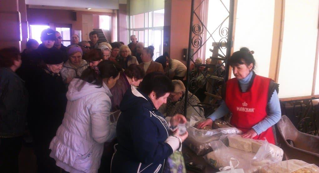 Более 570 тонн продуктов направила Русская Церковь на юго-восток Украины