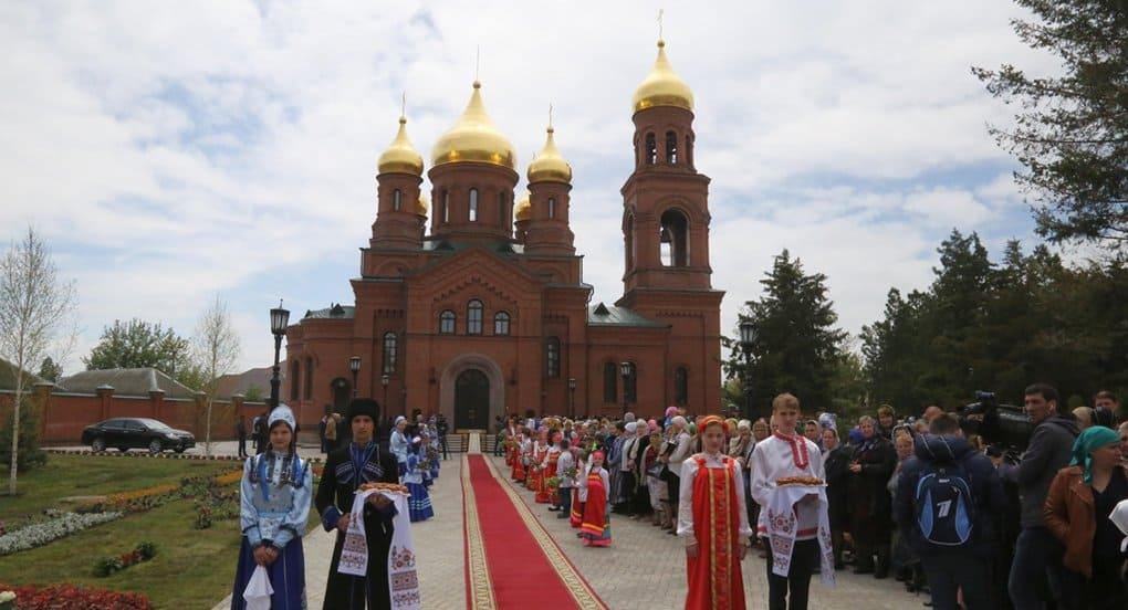 В Чечне, на месте разрушенной в советское время церкви, открыли новый храм