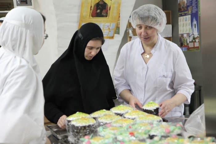 Монастырские куличи: все чудеса запланированы, Православная Жизнь