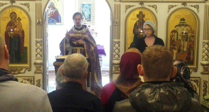 Впервые в Смоленской митрополии совершили Литургию на языке жестов