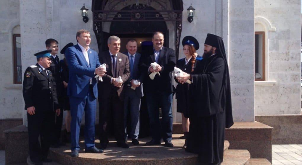 Единственный в России храм-часовню на аэровокзале освятили в Минводах