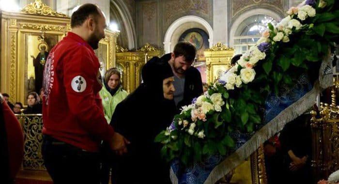 Иконе «Умиление» за двое суток поклонились 30 тысяч москвичей