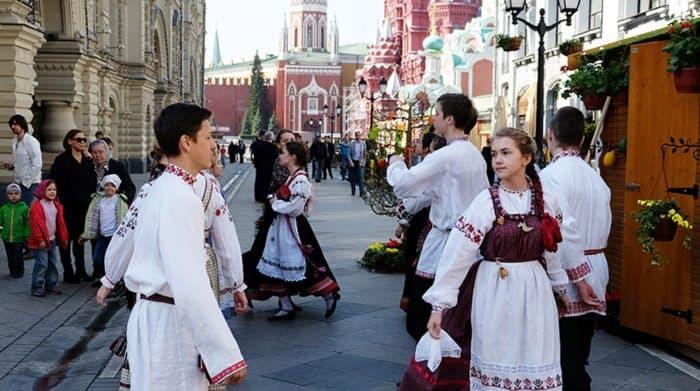 На Пасху москвичей ждут народные гуляния и два больших концерта