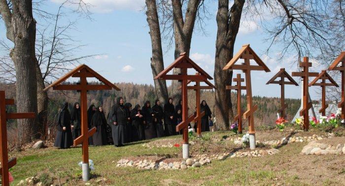 На Ставрополье разрешили отдохнуть на православную Радоницу
