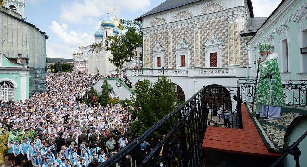 В Троице-Сергиевой лавре не хватает гостиниц для паломников, - патриарх Кирилл