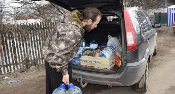 Священники продолжают помогать пострадавшим от наводнения на Вологодчине