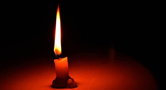 Можно ли жечь дома свечу за упокой во время Страстной недели?