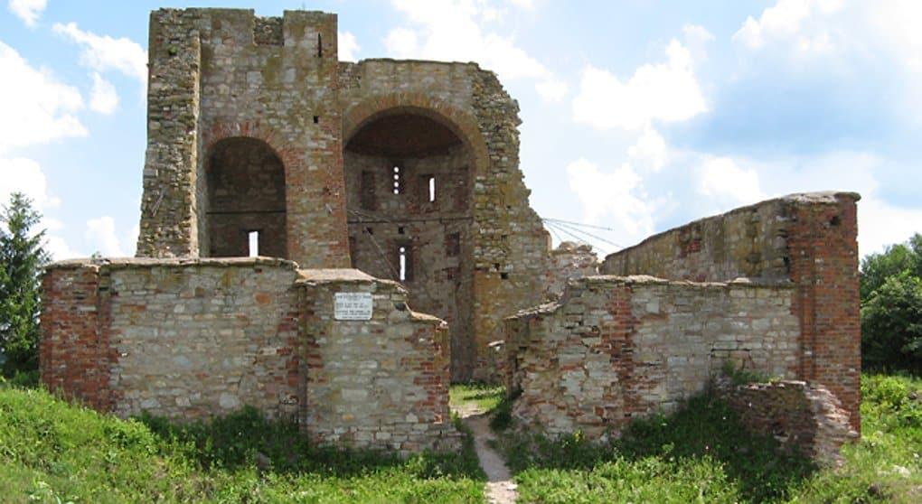 Новгородский храм XIV века накроют уникальной стеклянной крышей