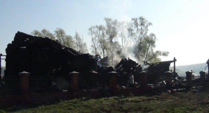 Деревянный храм XIX века сгорел в Ульяновской области
