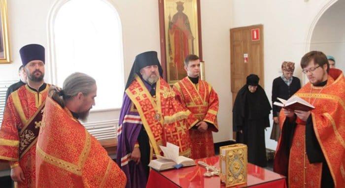 Благовещенская епархия молится о дожде и помогает погорельцам Амура