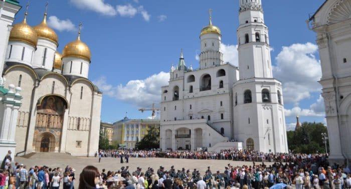 Музеи Московского Кремля стали доступнее для слабовидящих