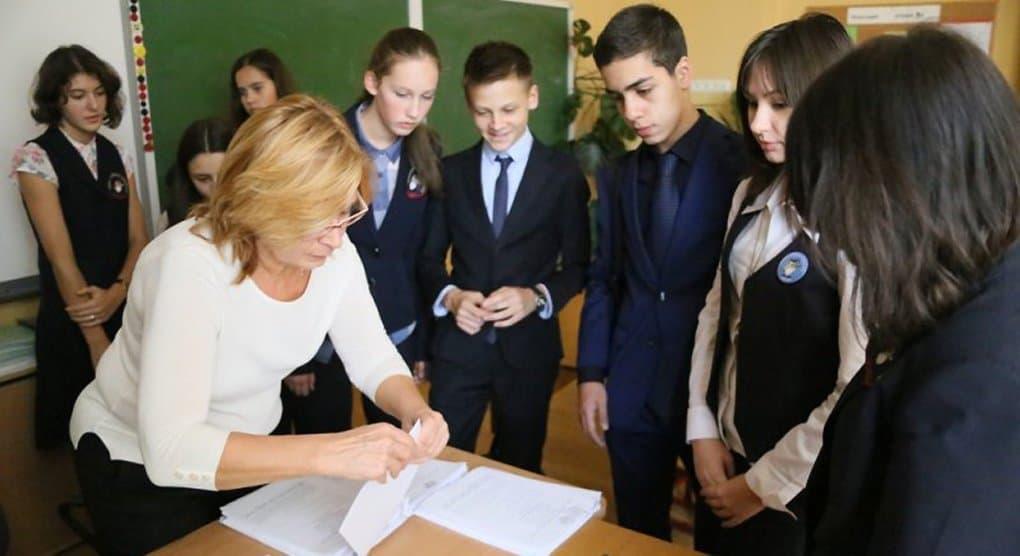 Ольга Васильева считает недопустимым слово «услуга» по отношению к учителям