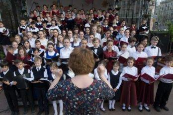 Сводный детский хор, Пушкинская пл., Москва, фото Юлии Маковейчук (24)