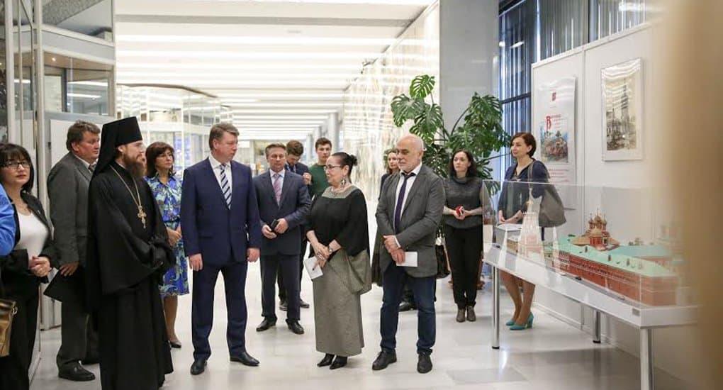 Выставка в мэрии Москвы знакомит с 700-летней историей Высоко-Петровского монастыря