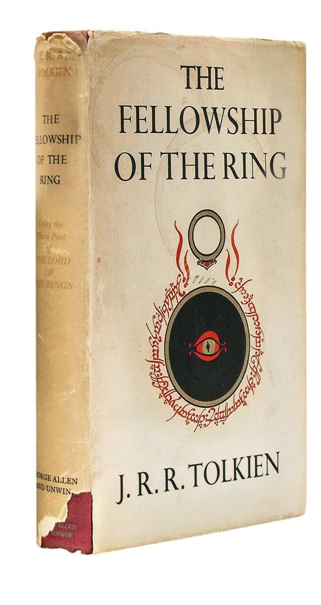 Первая книга трилогии «Властелин колец» всуперобложке, первое издание. Лондон, издательство George Allen & Unwin Ltd, 1954–1955 гг.
