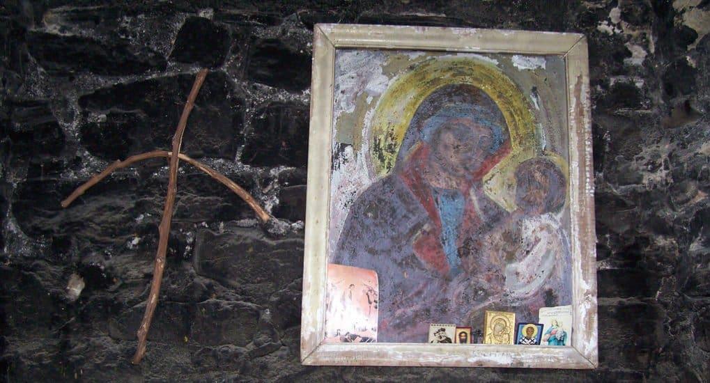 Что делать с иконами умерших родственников?