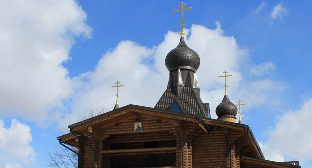 Храм во имя преподобного Серафима Саровского и собора Курских святых
