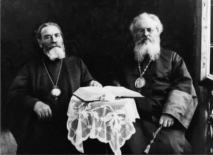Митрополит Арсений (Стадницкий) и епископ Лука (Войно-Ясенецкий). Ташкент, 1928