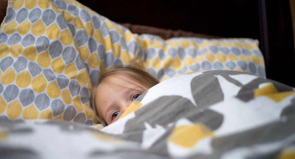 Память о счастливом детстве — это как одеяло Лихачева, – писатель Евгений Водолазкин о том, почему нельзя скупиться на родительскую любов