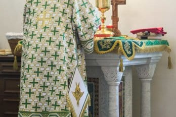 Храм преподобного Сергия Радонежского в Солнцево. Божественная литургия. Фото Юлии Маковейчук