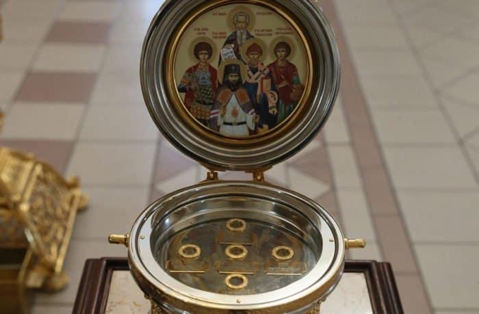 Кто и зачем разделяет мощи святых на «частицы»? IMG_6609