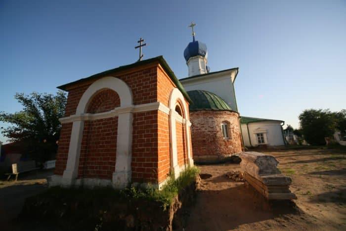 Никольский храм известен тем, что никогда не закрывался. Фото Владимира Ештокина