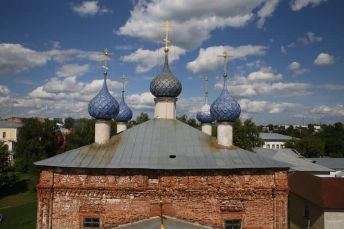 Вид с колокольни храма Успения Пресвятой Богородицы. Фото Владимира Ештокина
