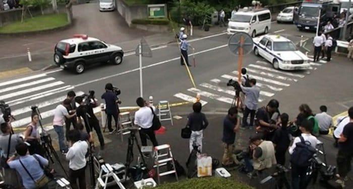 В Японии бывший сотрудник пансионата для инвалидов убил его 19 подопечных
