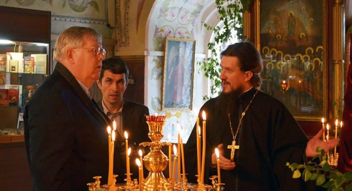 Посол США Джон Теффт узнал о святынях Знаменского монастыря Иркутска