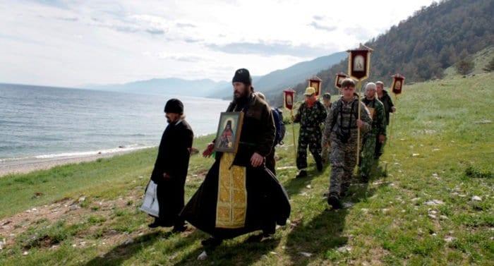 Прошло три этапа экологического крестного хода вокруг Байкала